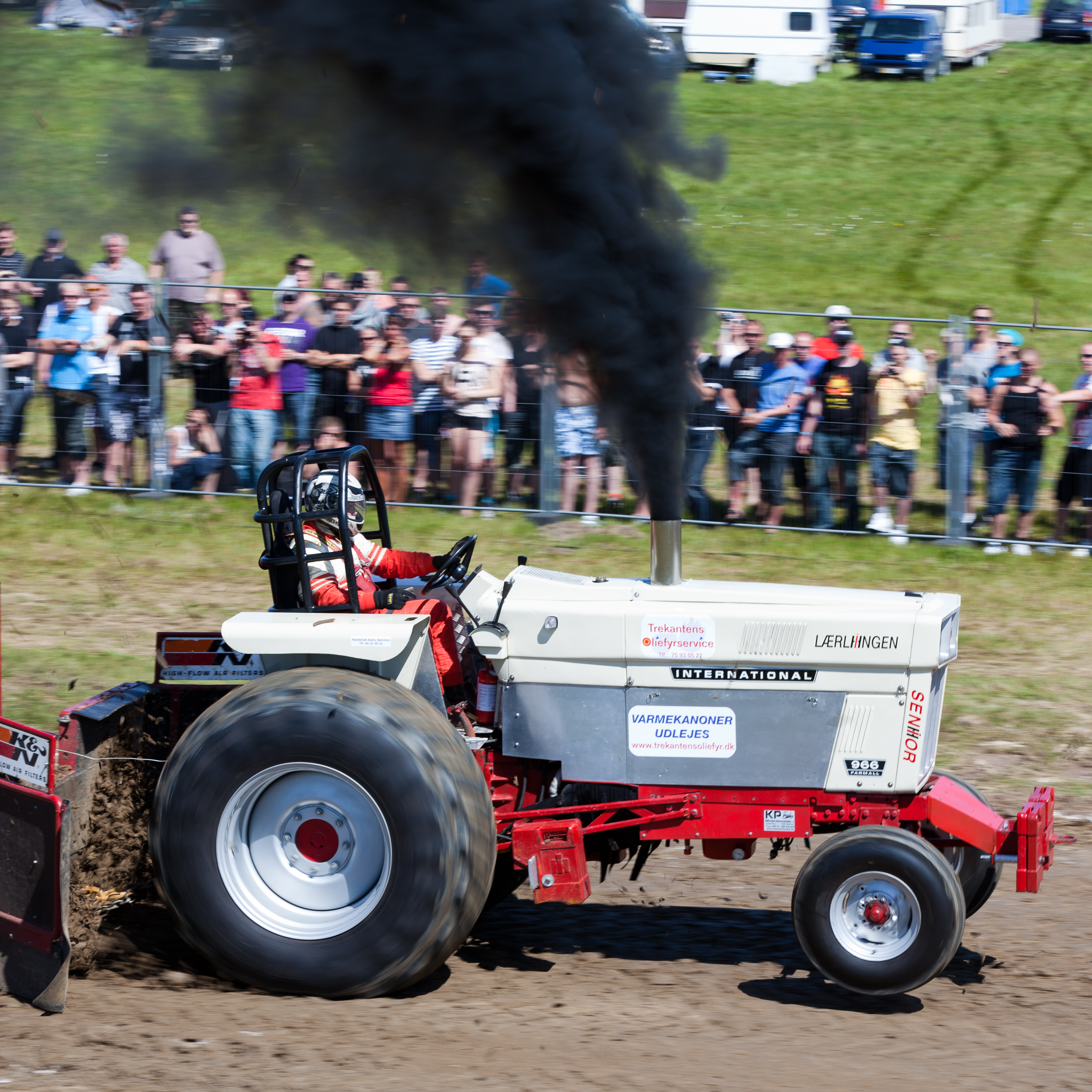 DHB Tractor Pulling